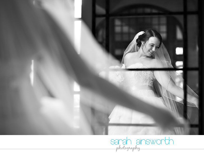 houston-wedding-photographer-crystal-ballroom-wedding-bridal-pictures-rice-hotel-annie012