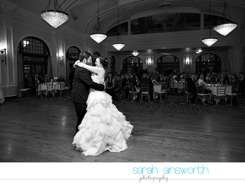 houston-wedding-photographer-crystal-ballroom-wedding-rice-hotel-annie-brad50
