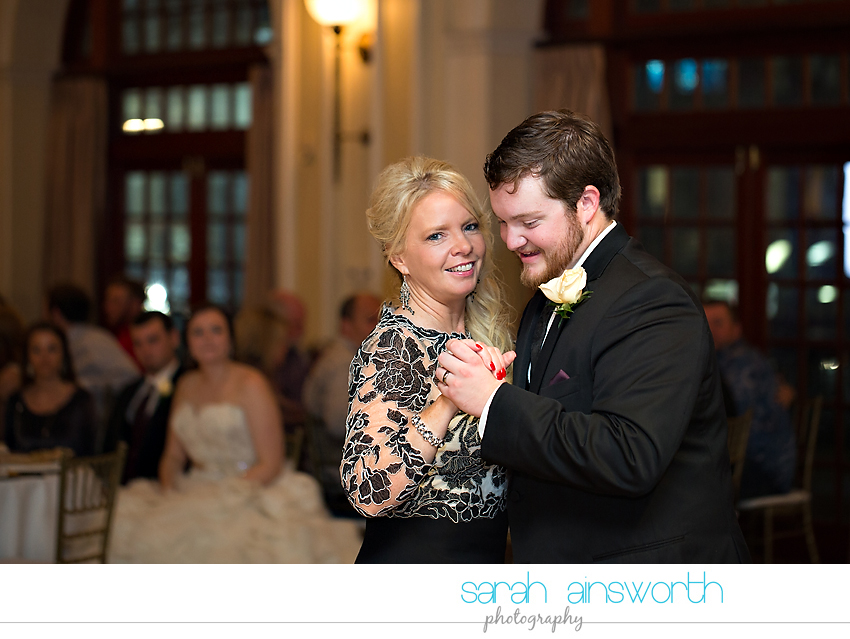 houston-wedding-photographer-crystal-ballroom-wedding-rice-hotel-annie-brad54
