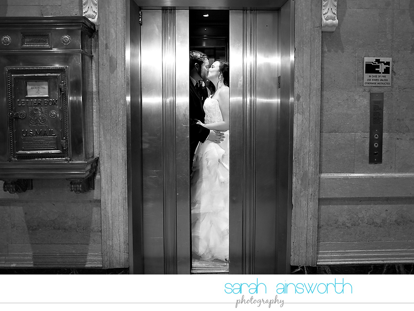 houston-wedding-photographer-crystal-ballroom-wedding-rice-hotel-annie-brad67