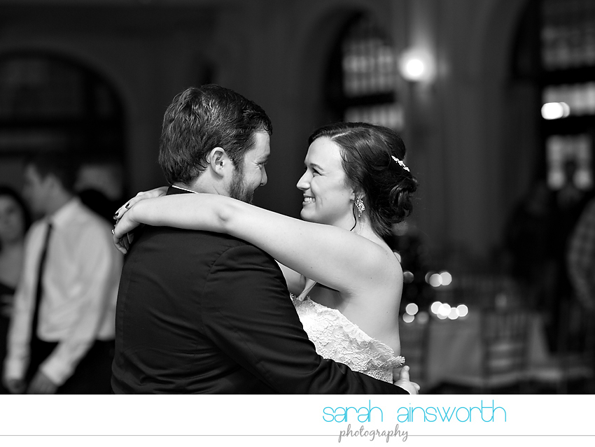 houston-wedding-photographer-crystal-ballroom-wedding-rice-hotel-annie-brad66