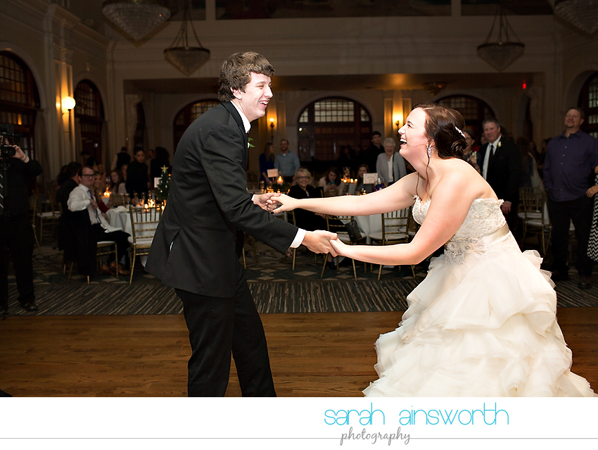 houston-wedding-photographer-crystal-ballroom-wedding-rice-hotel-annie-brad63