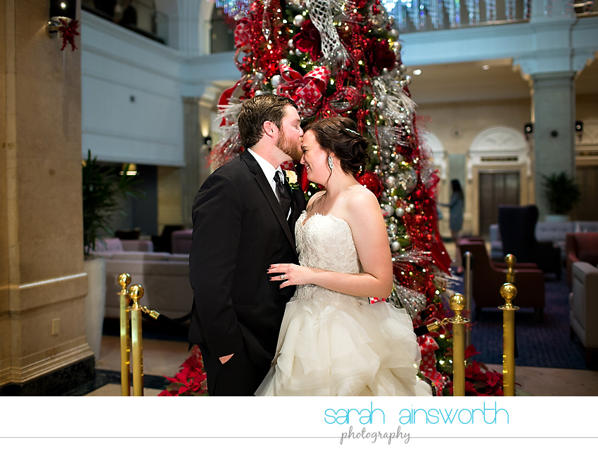 houston-wedding-photographer-crystal-ballroom-wedding-rice-hotel-annie-brad69
