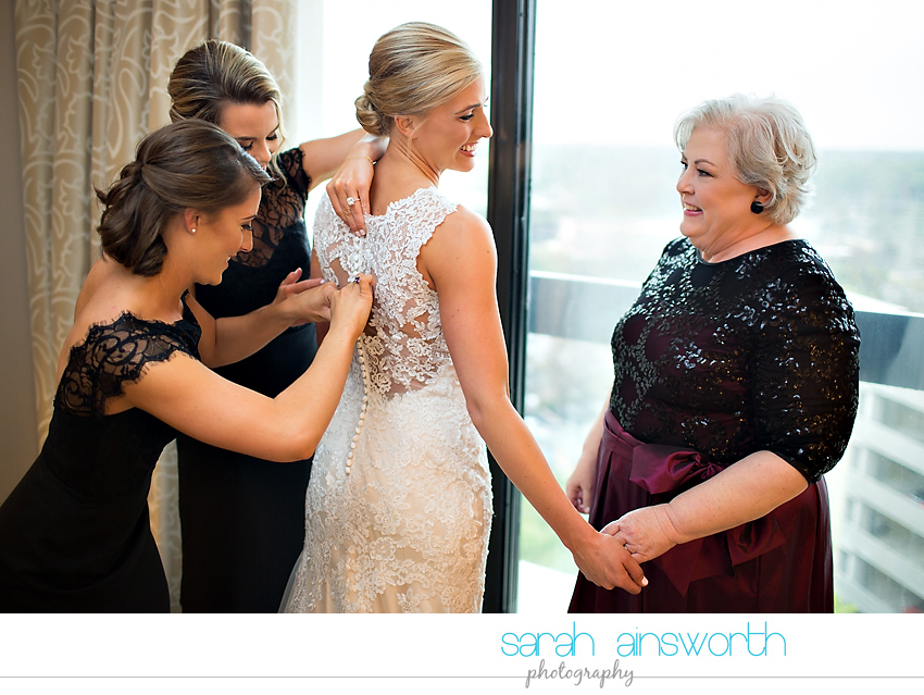 houston-wedding-photographer-junior-league-of-houston-wedding-grace-bible-church-wedding009