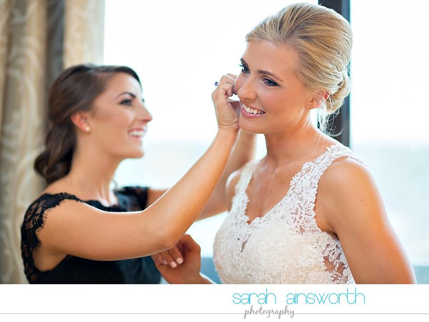 houston-wedding-photographer-junior-league-of-houston-wedding-grace-bible-church-wedding010
