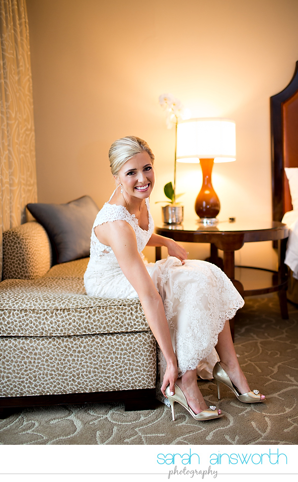 houston-wedding-photographer-junior-league-of-houston-wedding-grace-bible-church-wedding011
