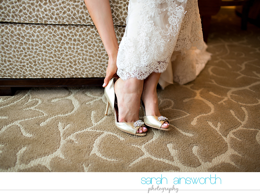 houston-wedding-photographer-junior-league-of-houston-wedding-grace-bible-church-wedding012