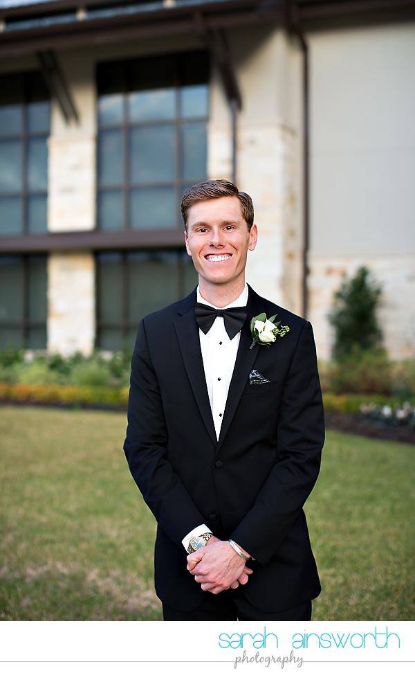 houston-wedding-photographer-junior-league-of-houston-wedding-grace-bible-church-wedding020
