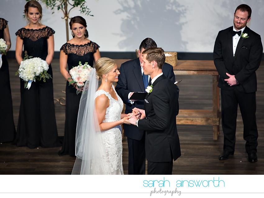 houston-wedding-photographer-junior-league-of-houston-wedding-grace-bible-church-wedding032