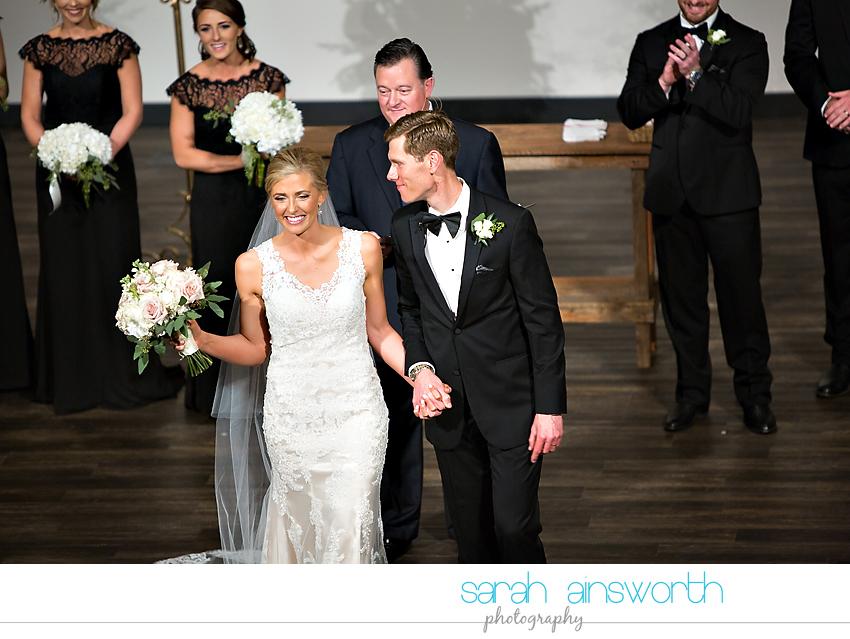 houston-wedding-photographer-junior-league-of-houston-wedding-grace-bible-church-wedding034