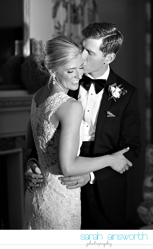 houston-wedding-photographer-junior-league-of-houston-wedding-grace-bible-church-wedding039
