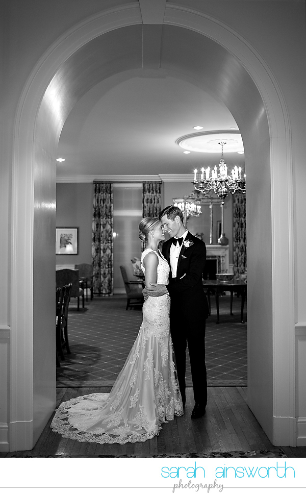 houston-wedding-photographer-junior-league-of-houston-wedding-grace-bible-church-wedding043