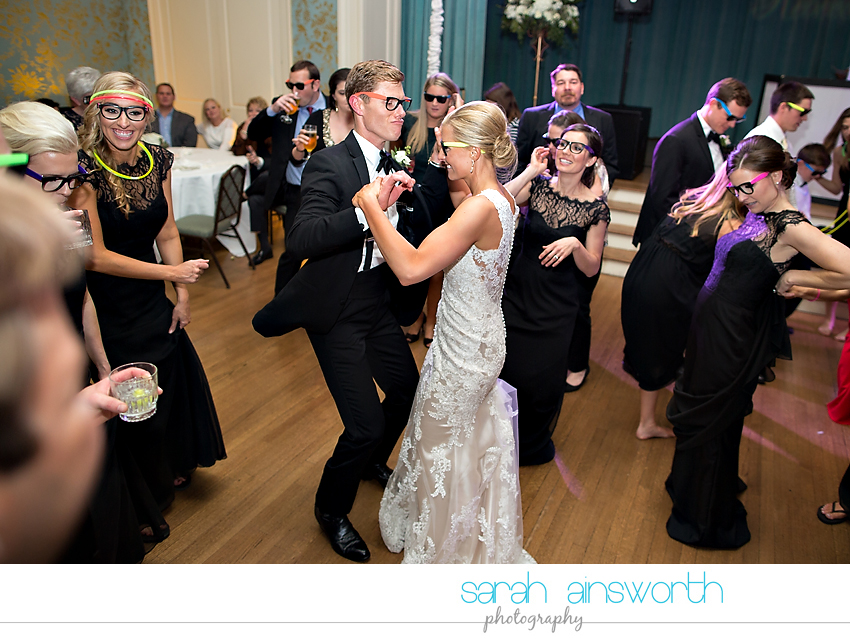 houston-wedding-photographer-junior-league-of-houston-wedding-grace-bible-church-wedding057