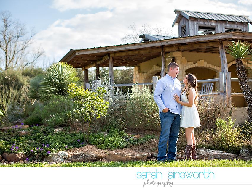 tomball-wedding-photographer-rustic-houston-wedding-venue-moffitt-oaks-wedding-rustic-engagement008