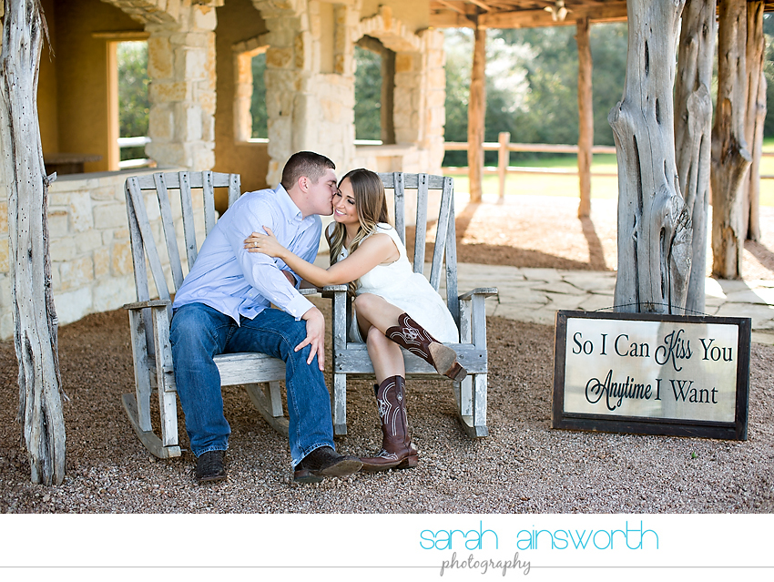 tomball-wedding-photographer-rustic-houston-wedding-venue-moffitt-oaks-wedding-rustic-engagement010