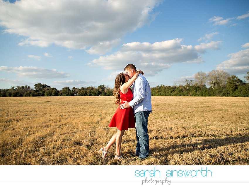 tomball-wedding-photographer-rustic-houston-wedding-venue-moffitt-oaks-wedding-rustic-engagement002