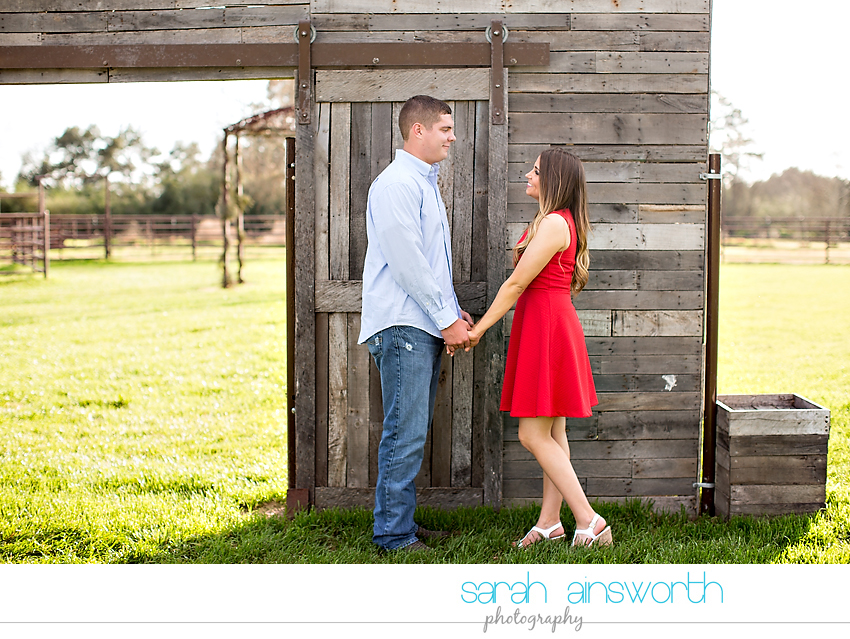 tomball-wedding-photographer-rustic-houston-wedding-venue-moffitt-oaks-wedding-rustic-engagement011