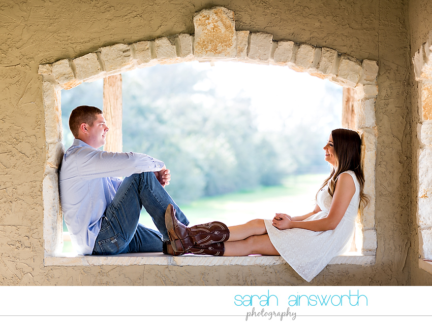 tomball-wedding-photographer-rustic-houston-wedding-venue-moffitt-oaks-wedding-rustic-engagement015