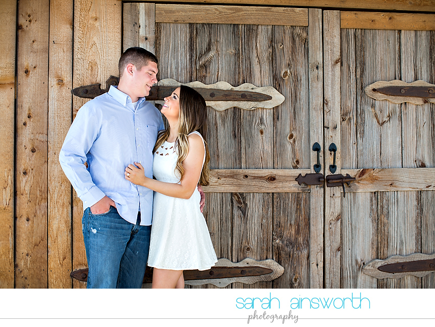 tomball-wedding-photographer-rustic-houston-wedding-venue-moffitt-oaks-wedding-rustic-engagement016