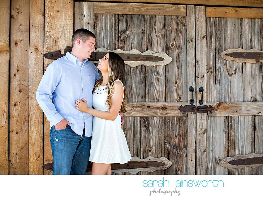 tomball-wedding-photographer-rustic-houston-wedding-venue-moffitt-oaks-wedding-rustic-engagement016