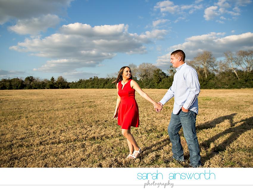 tomball-wedding-photographer-rustic-houston-wedding-venue-moffitt-oaks-wedding-rustic-engagement017