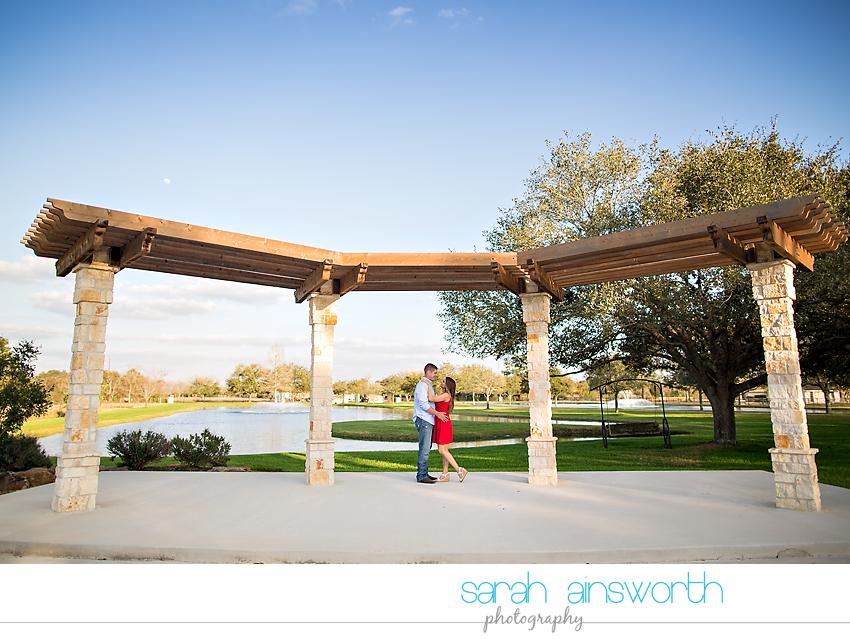 tomball-wedding-photographer-rustic-houston-wedding-venue-moffitt-oaks-wedding-rustic-engagement020