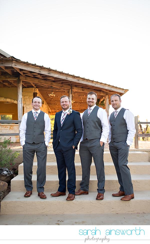 tomball-wedding-photographer-moffitt-oaks-wedding-photographer-rustic-houston-venue19