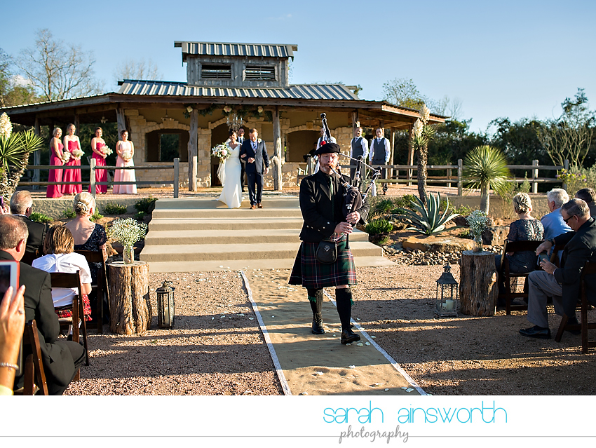 tomball-wedding-photographer-moffitt-oaks-wedding-photographer-rustic-houston-venue32