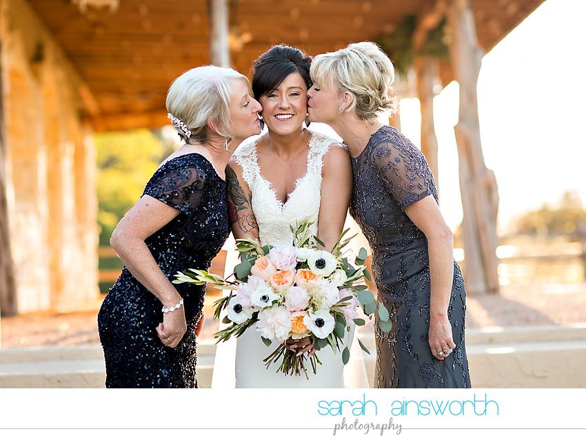 tomball-wedding-photographer-moffitt-oaks-wedding-photographer-rustic-houston-venue37