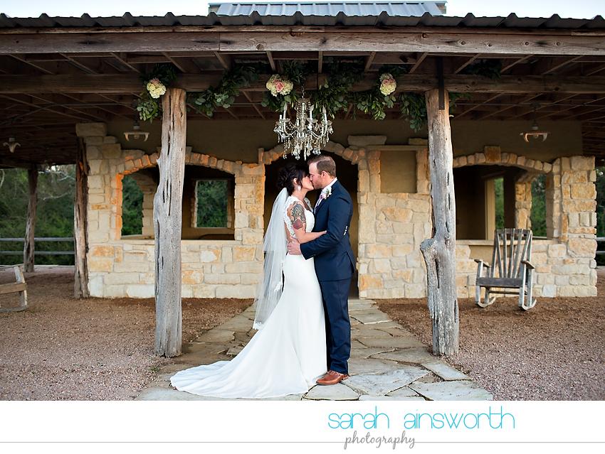 tomball-wedding-photographer-moffitt-oaks-wedding-photographer-rustic-houston-venue42