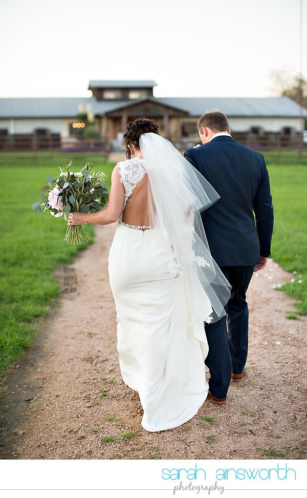 tomball-wedding-photographer-moffitt-oaks-wedding-photographer-rustic-houston-venue45