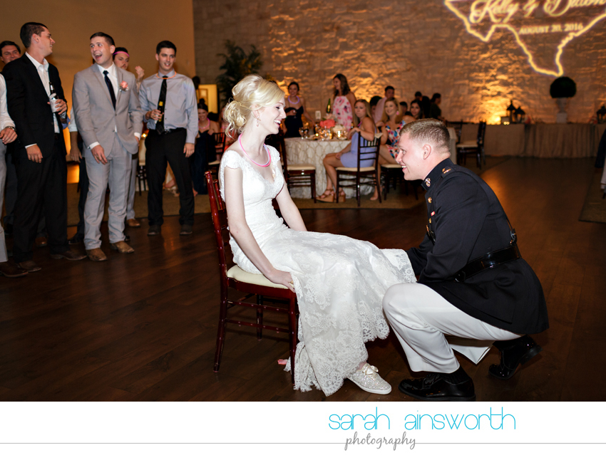 houston-wedding-photographer-briscoe-manor-wedding-kelly-dillon085