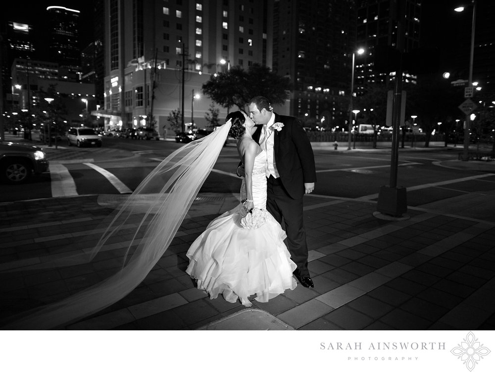 32_hilton-americas-hotel-wedding-houston-hotel-weddings-hilton-wedding_03.jpg