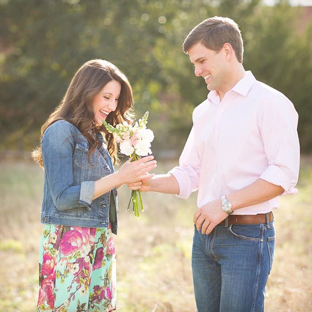 Excited about spring patterns, spring florals and longer days around here! Throwing it back to this sweet Spring engagement. @hayleyvanwag . . . #springhassprung #springfloral #houstonengagementphotographer #houstonweddingphotographer #engaged #engagementring #floralspring #couplegoals #houstonengaged #houstonengagementpictures #springengagement #weddingsinhouston #houstonbride #bridesofhouston