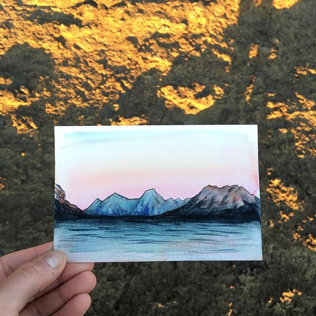 This month put anyone else through the wringer as well? I finally feel like I'm getting my creativity and motivation back. I've also been brainstorming on how to paint the central Oregon landscapes I've been enjoying and I think I'm finally getting some ideas 💡 . . . . . . . . . . . . . #art #watercolor #watercolors #watercolour #watercolours #watercolourpainting #watercolorstudy #watercolorsketch #watercolorpainting #pleinair #pleinairpainting #landscape #landscapepainting #painting #holbein #windsornewton #artgram #artistsoninstagram #instaart #instaartist #artwork #artistsofinstagram #watercolorart #seward #sewardalaska #qorwatercolors #danielsmith #danielsmithwatercolors