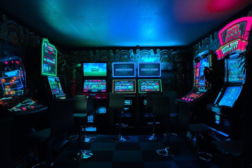 一緒に遊ぼう - TOKYO SANDBOX は秋葉原で開催されるインディーゲーム展示会。ここでしか味わえない最新の遊び方をぜひ楽しんでください。開催日は2019年4月6~7日、会場は秋葉原ベルサール。入場料は2000円(両日券)。その他の詳細はアクセスページにて確認できます。