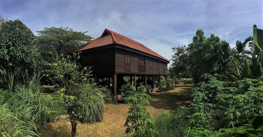Historic wooden house - Siem Reap