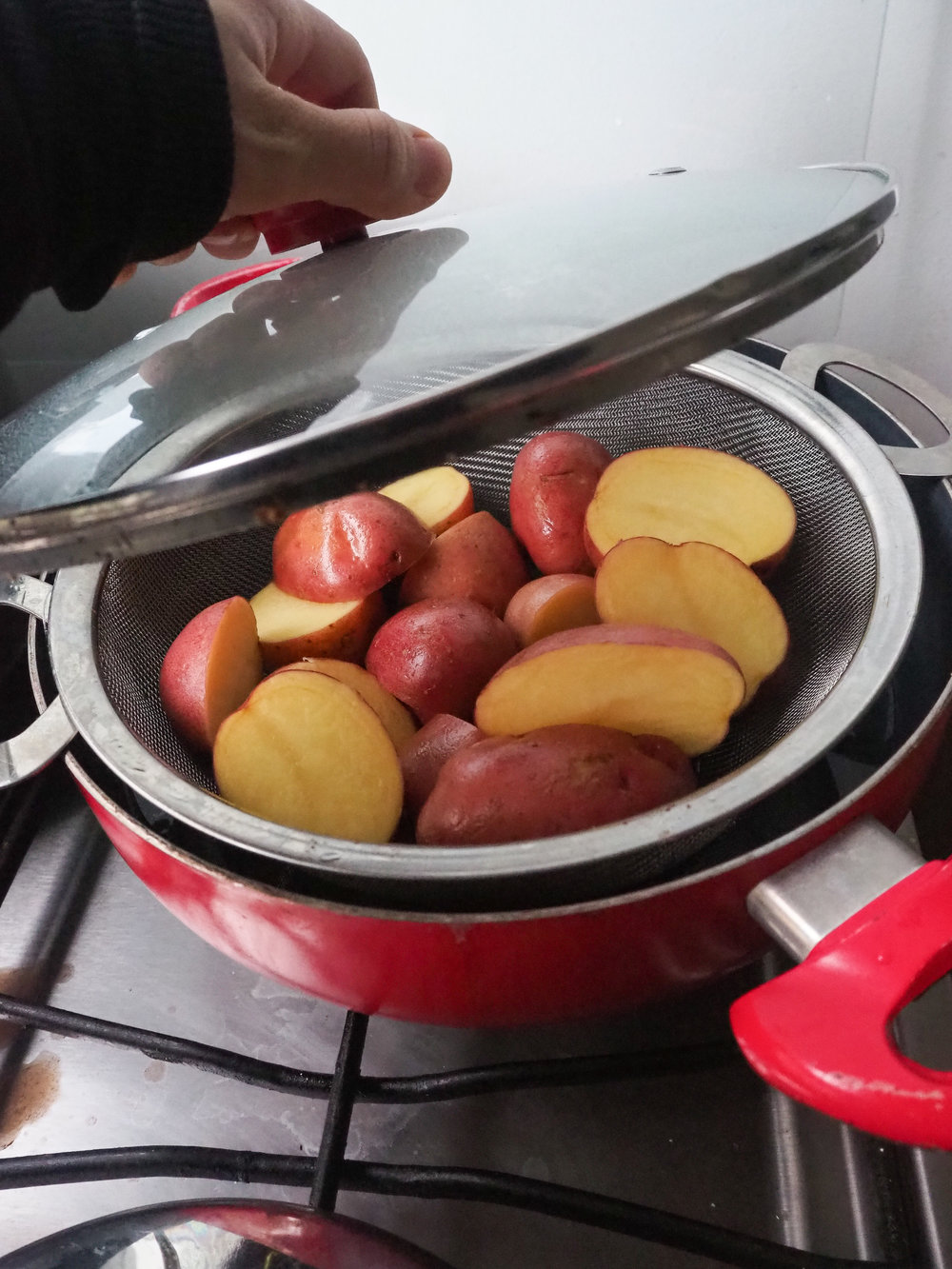 Steam your potatoes before baking!  © Elena Hollenhorst