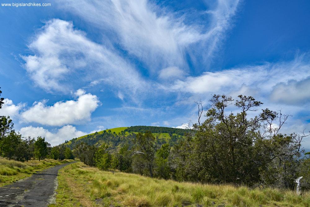 Hiking Toward Pu'u Wa'awa'a