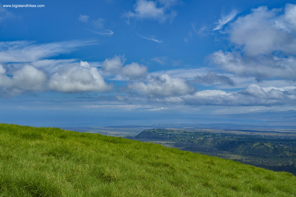 Overlooking the Pacific Ocean from Pu'u Wa'awa'a