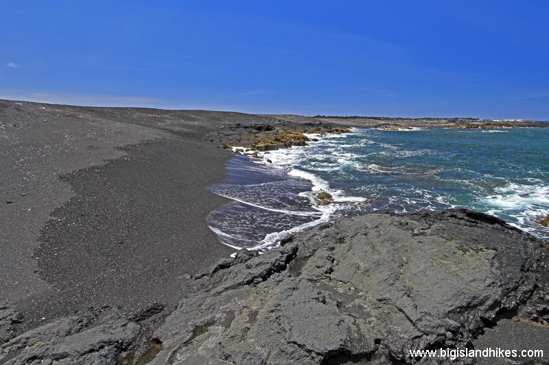 Makole'a Black Sand Beach  .