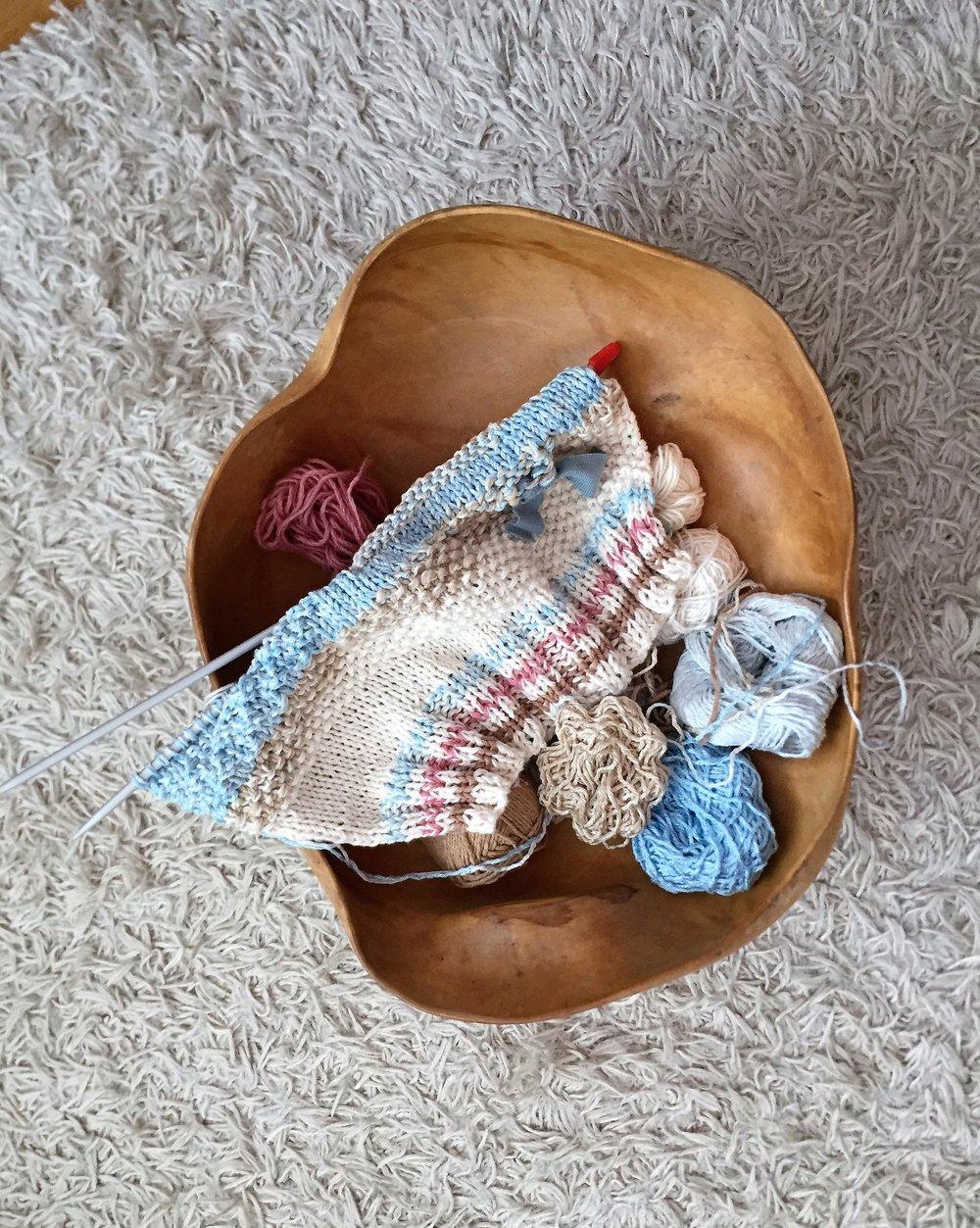 Experimental knit Easy Piece Bybaba in progress (2).jpg