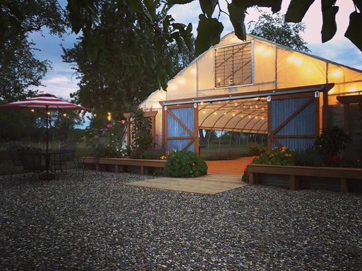 greenhouse-wedding-venue-michigan