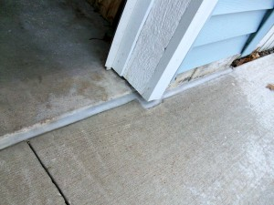 Home Inspector discusses sealing gap between garage floor and driveway