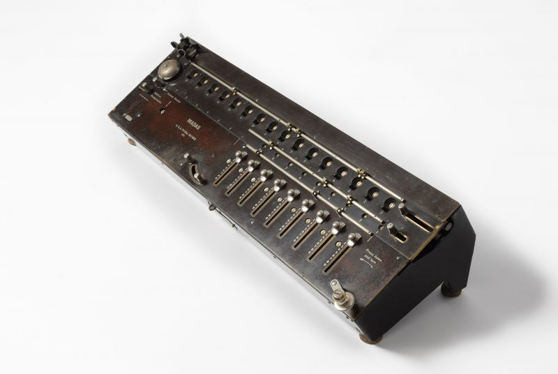 Madas mechanical calculator 1913