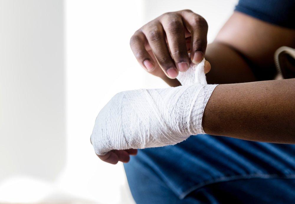 arm-bandage-hands-1409706.jpg