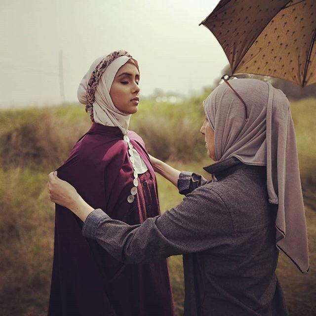 Mariamah's founder/designer, Roxana R, on set . . . . . . . . . . . . . . . . . . . . . . . . . . . . . . . . . . . . . . . . . . . . . . . . . . . #hijab #hijabster #islamic #halalfriendly #modestfashion #modestwear #ootd #abaya #muslimah #muslimahfashion #muslimfashion #muslimwomen  #hijabi #hijabfashion