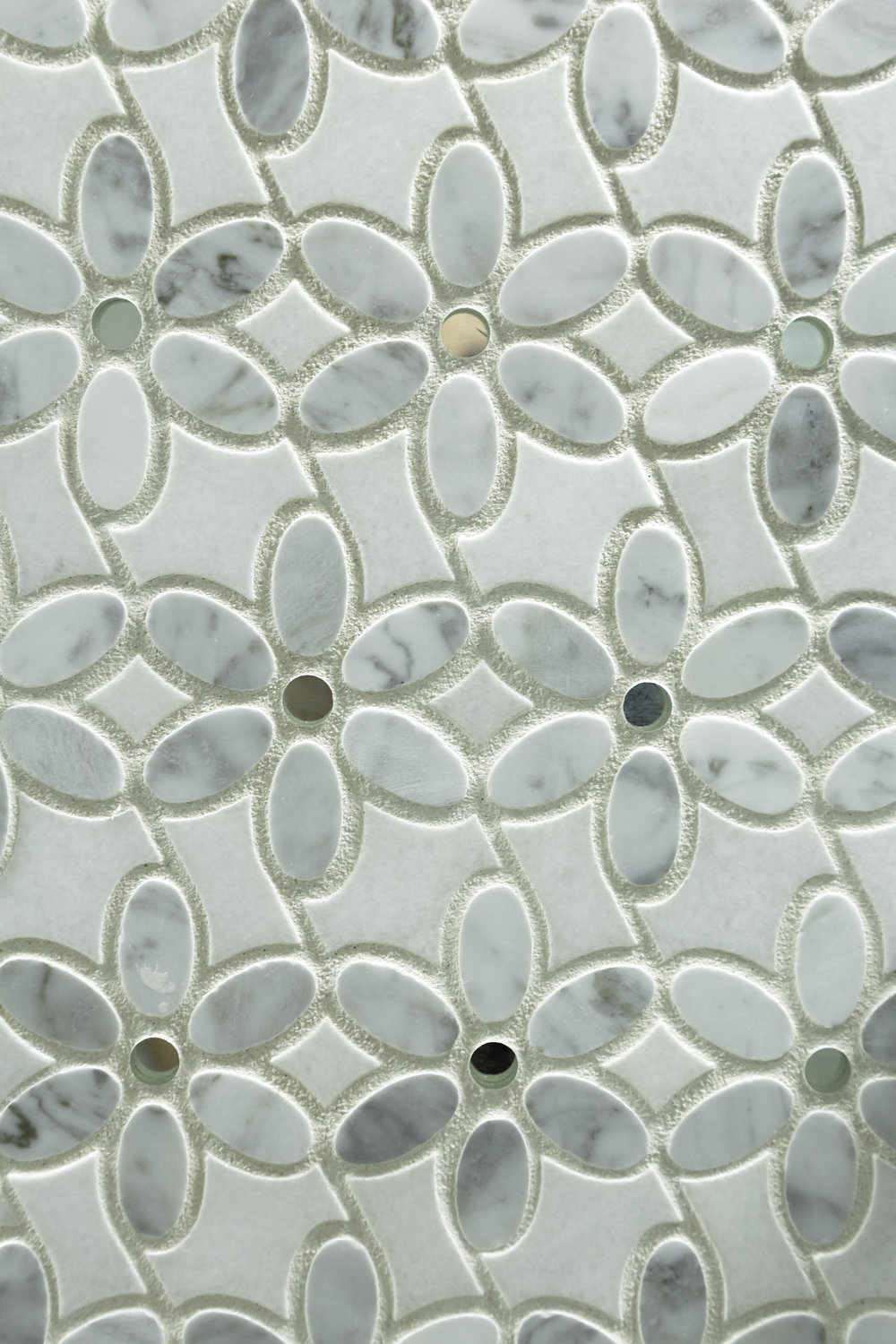 Decorative wall tile styled like flowers
