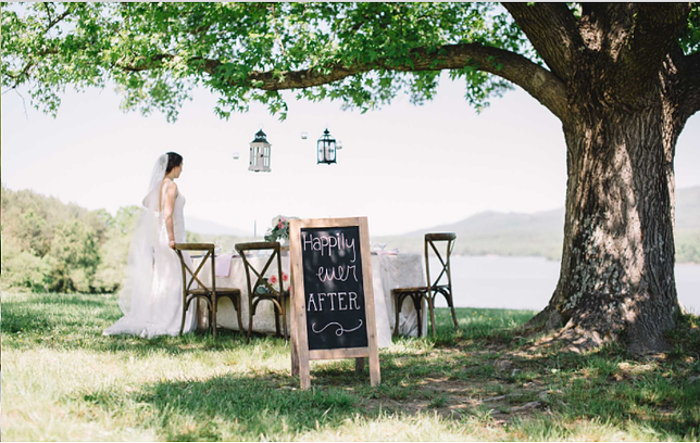 Lakeside wedding venue: Post Hill Events