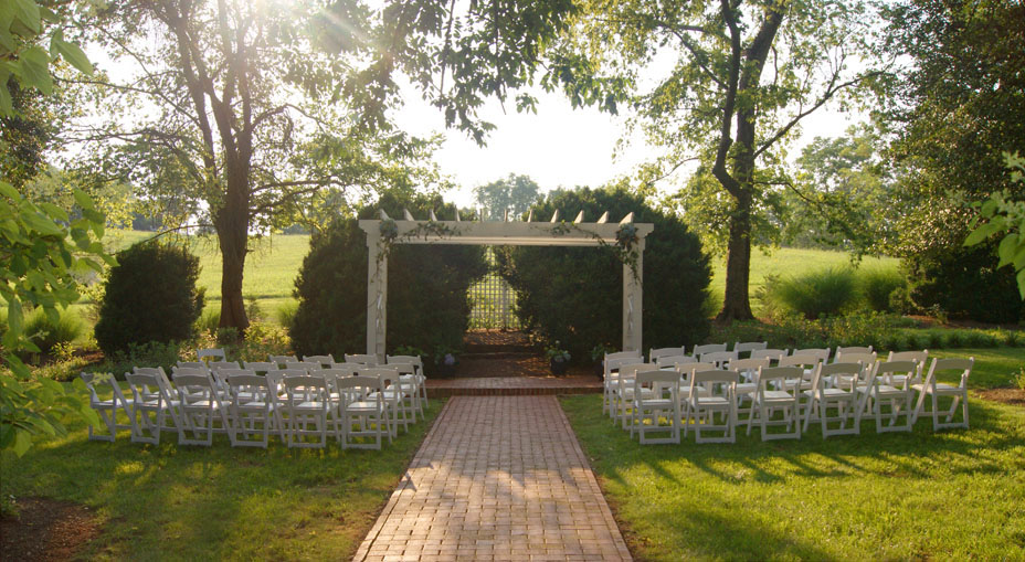 Inn at Willow Grove Boxwood Garden wedding